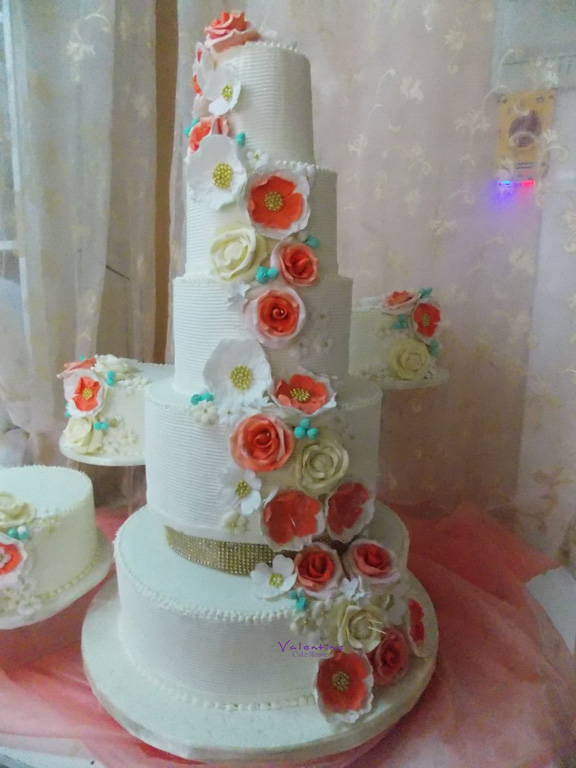 Valentine Cake House
