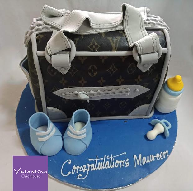P80609 161434 edited - Babyshower Cake