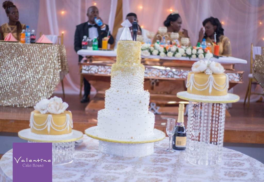 IMG 20180808 WwA0004 1024x707 - Wedding Cake